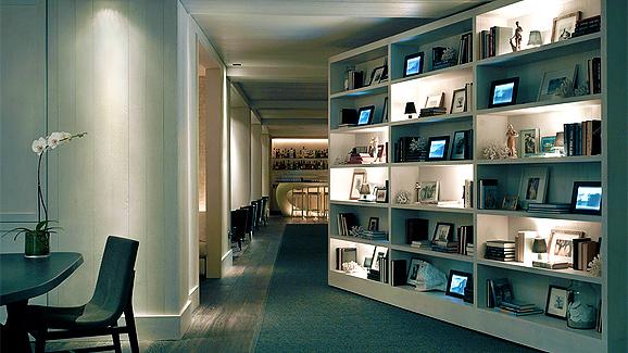 Modern Waikiki Library/Bar
