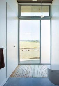 Yarck House Bathroom