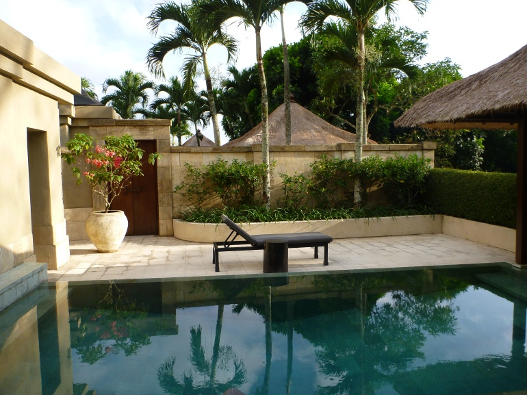 Amanjiwo Pool Villa
