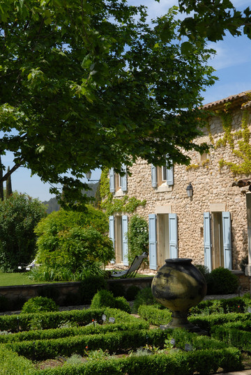 Natural simplicity in Provence. Read about my stay here.