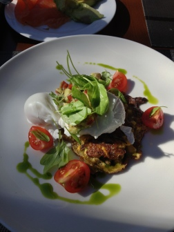 Poached eggs with zucchini fritters