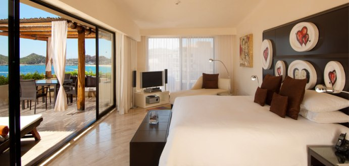 ME Cabo Chic Suite room