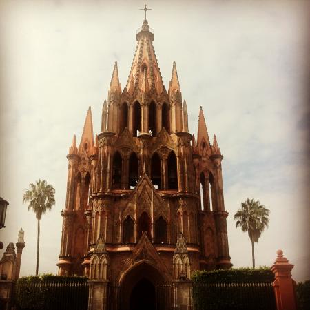 La Parrouquia de San Miguel Arcangel