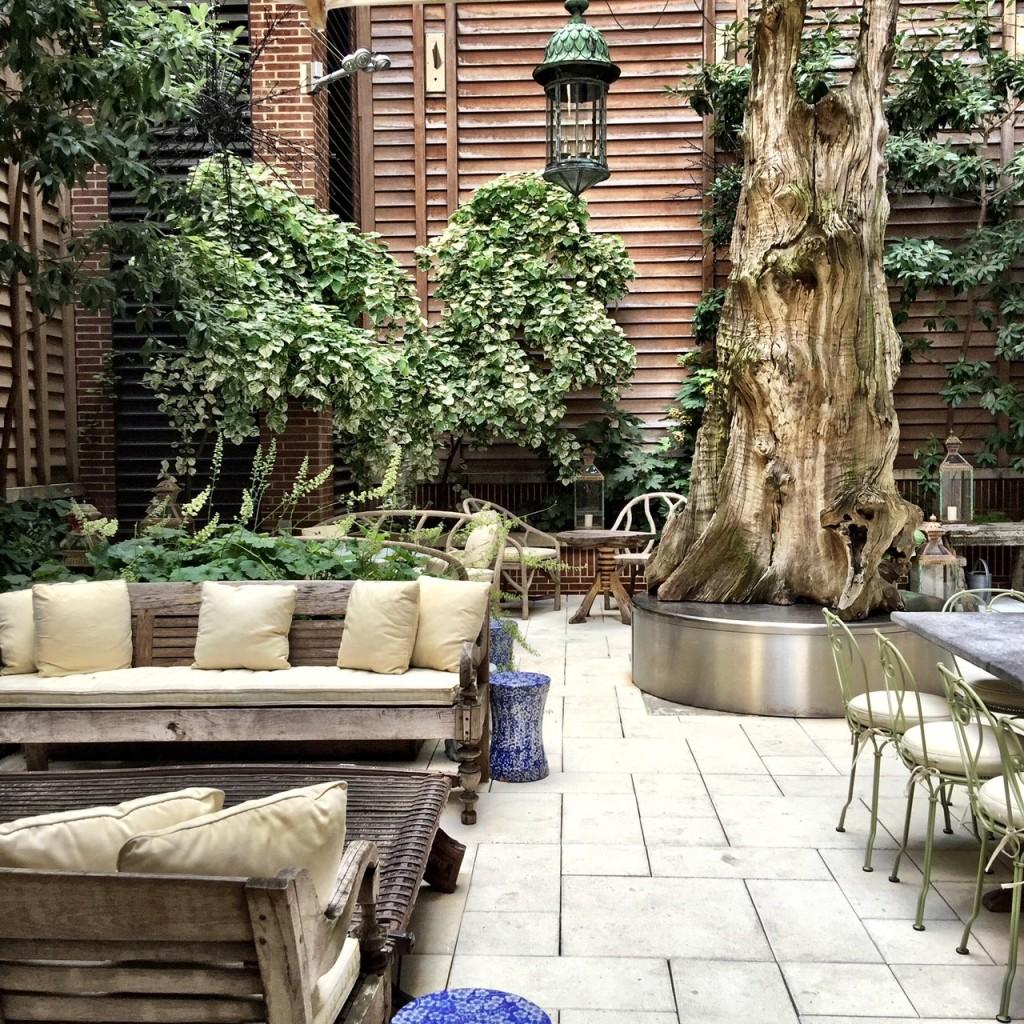crosby-courtyard